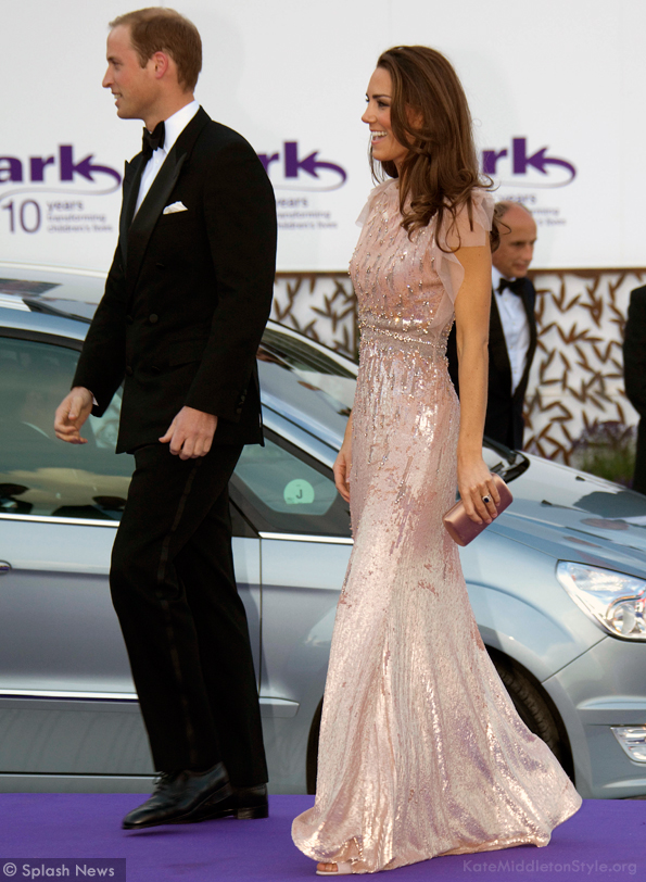 kate wears a jenny packham dress in pink
