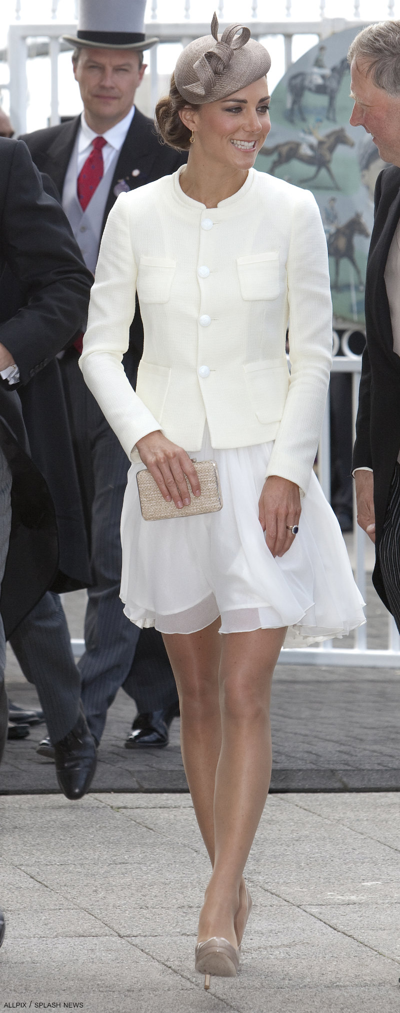 Kate in the Joseph Nessie Jacket and white Reiss Peacock dress at the Epsom Derby in 2011
