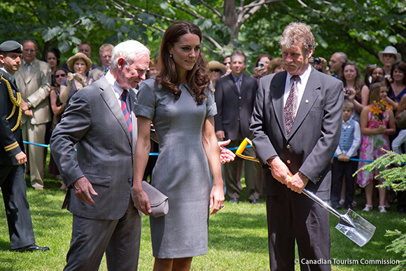 Kate looks great in grey Catherine Walker Buxton dress in Ottawa and Montreal