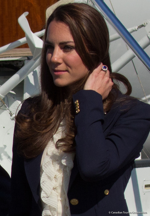 Kate in the navy blue Smythe blazer