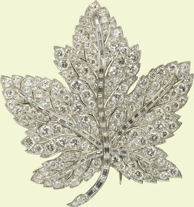 The Queen's Maple Leaf Brooch via Orderofsplendor.blogspot.co.uk