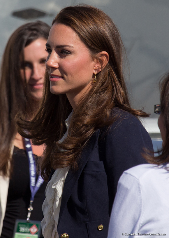 Kate Middleton wearing the Kiki McDonough Citrine Pear Drop earrings in Canada