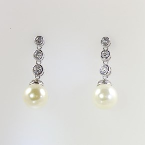 Heavenly Necklaces Faux Pearl and Diamond Earrings