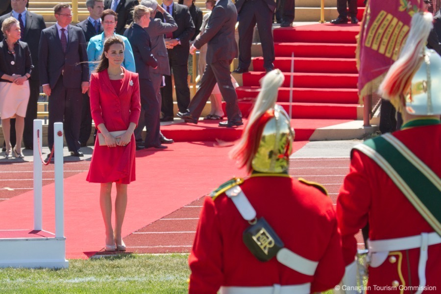 Today we're talking about Kate Middleton's tights(hosiery, pantyhose, hose... whatever you call it!)