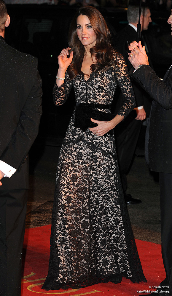 "Kate wears a Temperley London ""Amouret"" dress to the War Horse Premiere."
