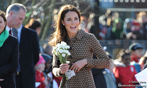 Duchess Kate wears Orla Kiely dress and Aquatalia ankle boots for her visit to The Art Room, Oxford