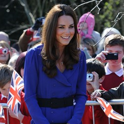 Kate visits EACH's Treehouse hospice & gives her first public speech