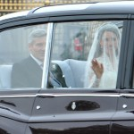 Kate is accompanied by her father to Westminster Abbey by car