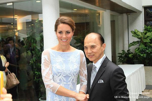 Kate Middleton meets Jimmy choo