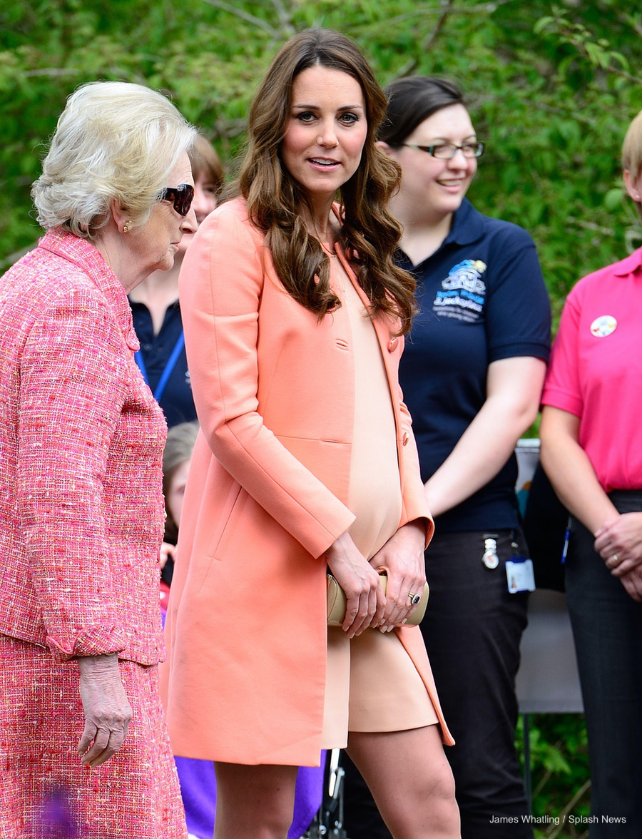 Kate Middleton wearing peach Tara Jarmon coat for her visit to Naomi House Hospice