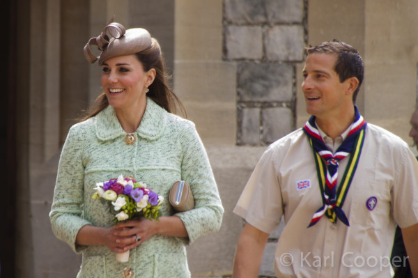 Kate Wears Mint Green Mulberry Coat for National Review of Queen's Scouts