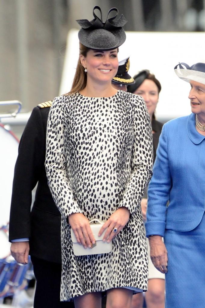 Kate looked fantastic in this Hobbs printed coat