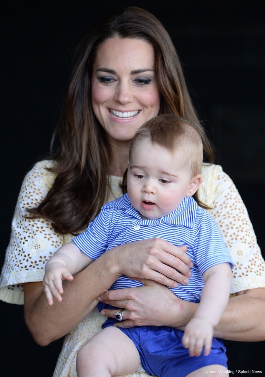 Kate Middleton wearing her engagement ring in Australia with Prince George in 2014