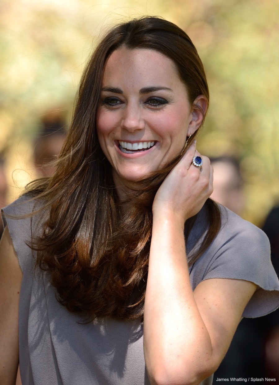 Kate Middleton's stunning engagement ring features sapphires and diamonds