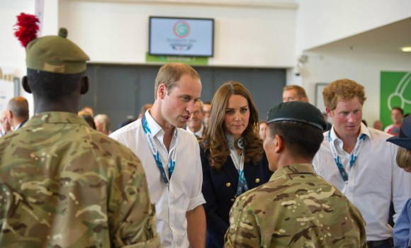 Royals meeting troops providing security for the Commonwealth Games.  Images by Bdr Murray Kerr; Crown Copyright
