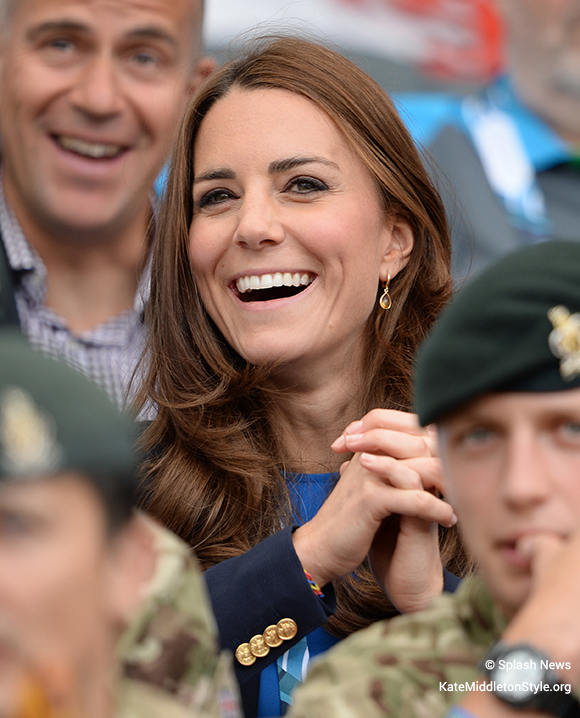 Kate Middleton wearing the Kiki McDonough Citrine Drop earrings at the XX Commonweath Games