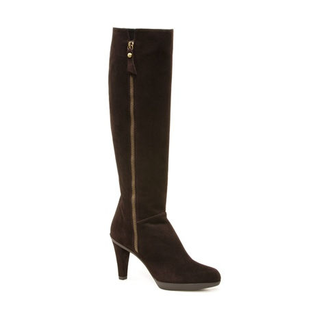 Stuart Weitzman Zipkin Boots in Cola Brown