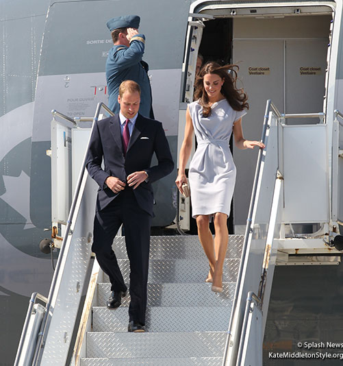 Kate steps off the plane in Los Angeles, California, USA