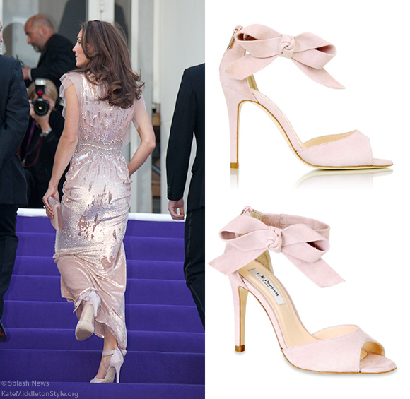 Kate wears L.K. Bennett Agata sandals in Rose Pink