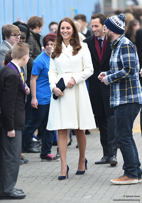 Kate carries the L.K. Bennett Frome clutch bag