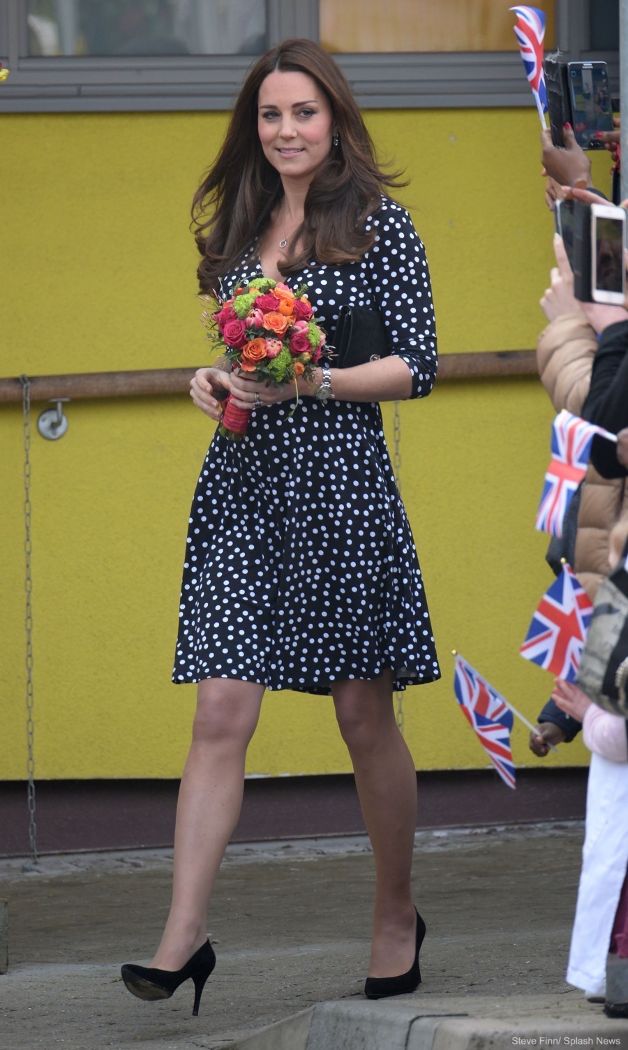 Kate middletons polka dot maternity dress from asos kate middleton spotty maternity dress by asos ombrellifo Image collections