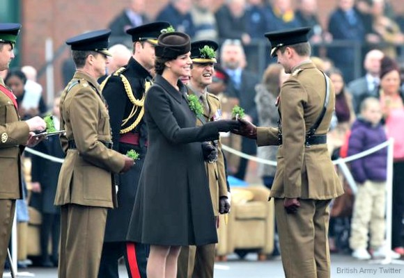 Kate hands out shamrocks to Irish Guard officers