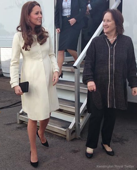 Duchess Kate tours the Downton Abbey set
