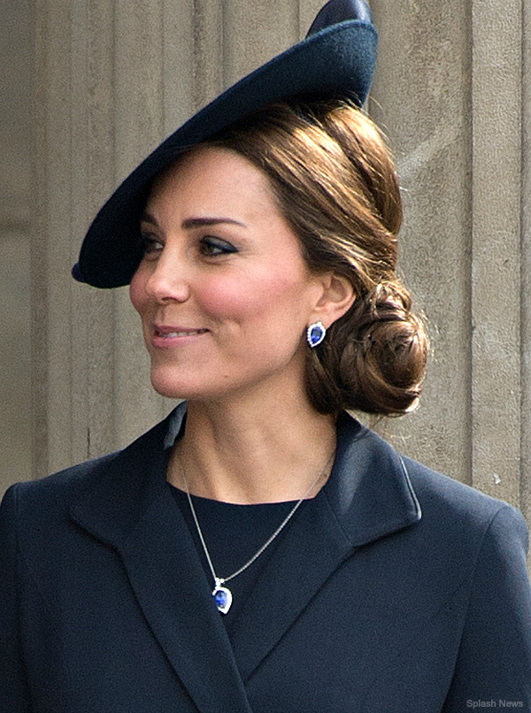 Duchess of Cambridge wears new blue jewellery