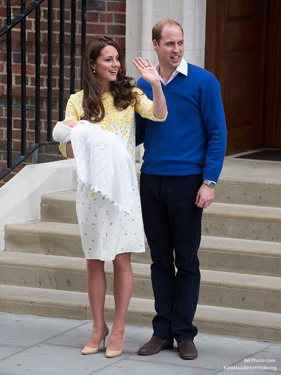 Kate and William leave the hospital with Charlotte