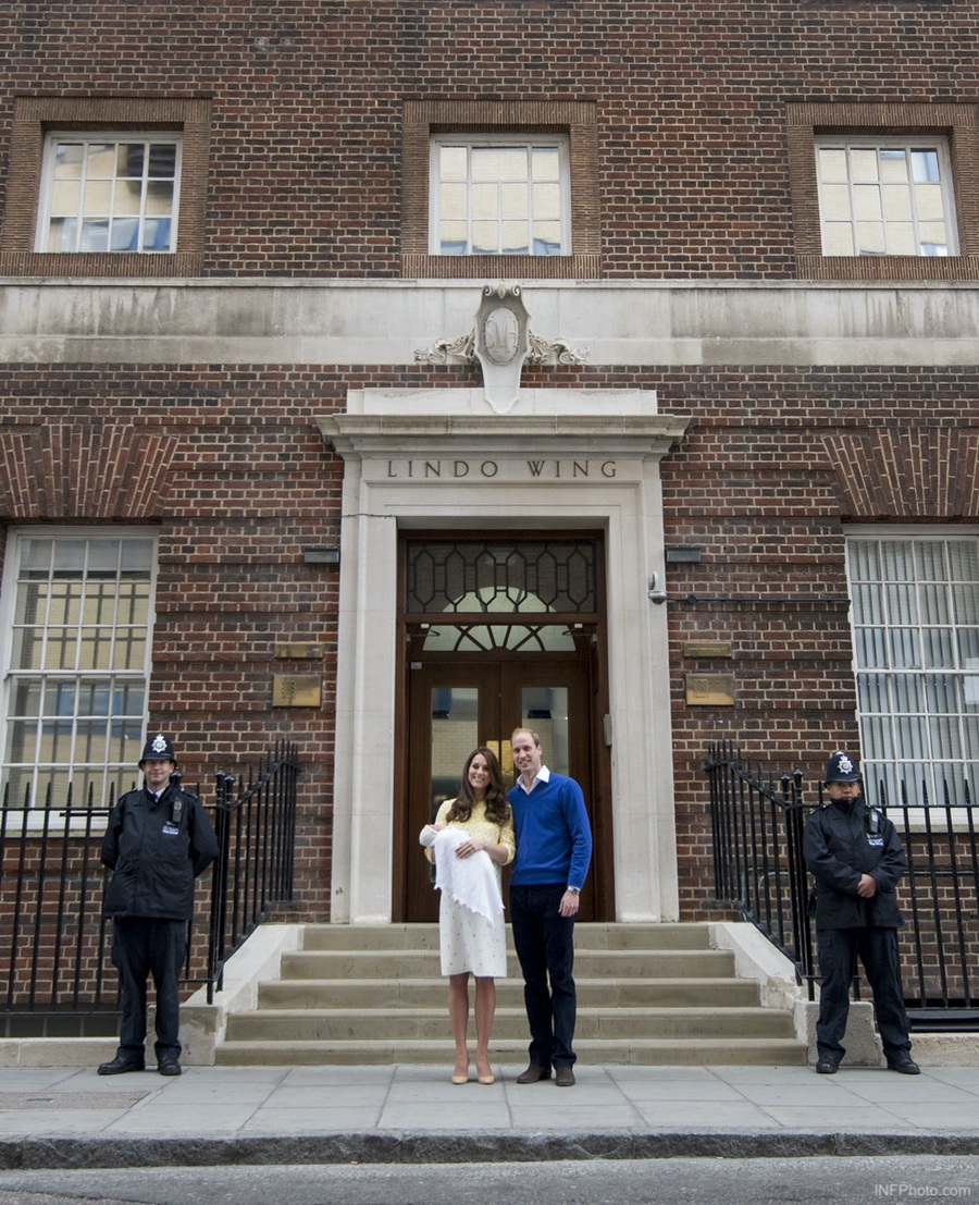 William, Kate and Princess Charlotte at the Lindo Wing
