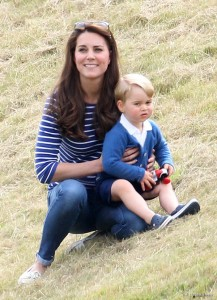 Prince George and Kate go to watch the polo