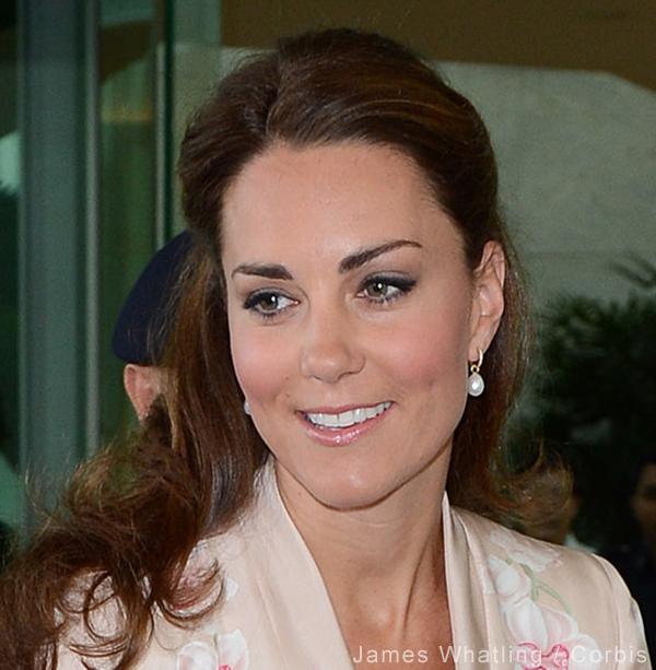 Kate Middleton wearing Annouska pearl drop earrings
