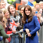 Kate wears electric blue for Dundee visit