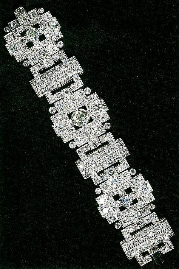 Queens Wedding Gift Bracelet