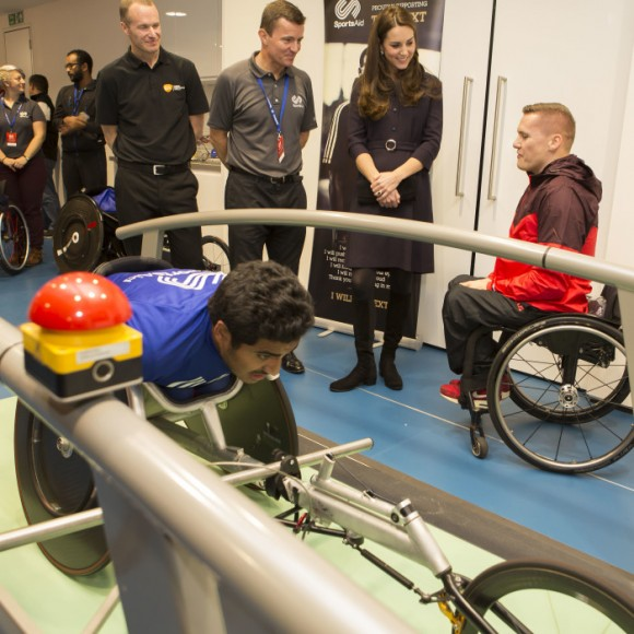 The Duchess of Cambridge, Patron of SportsAid, meets Paralympic champion David Weir at GSK's Human Performance Lab. Credit Nathan Gallagher/SportsAid.