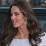 Kate wear's Cambridge Lover's Knot tiara to Diplomatic Reception