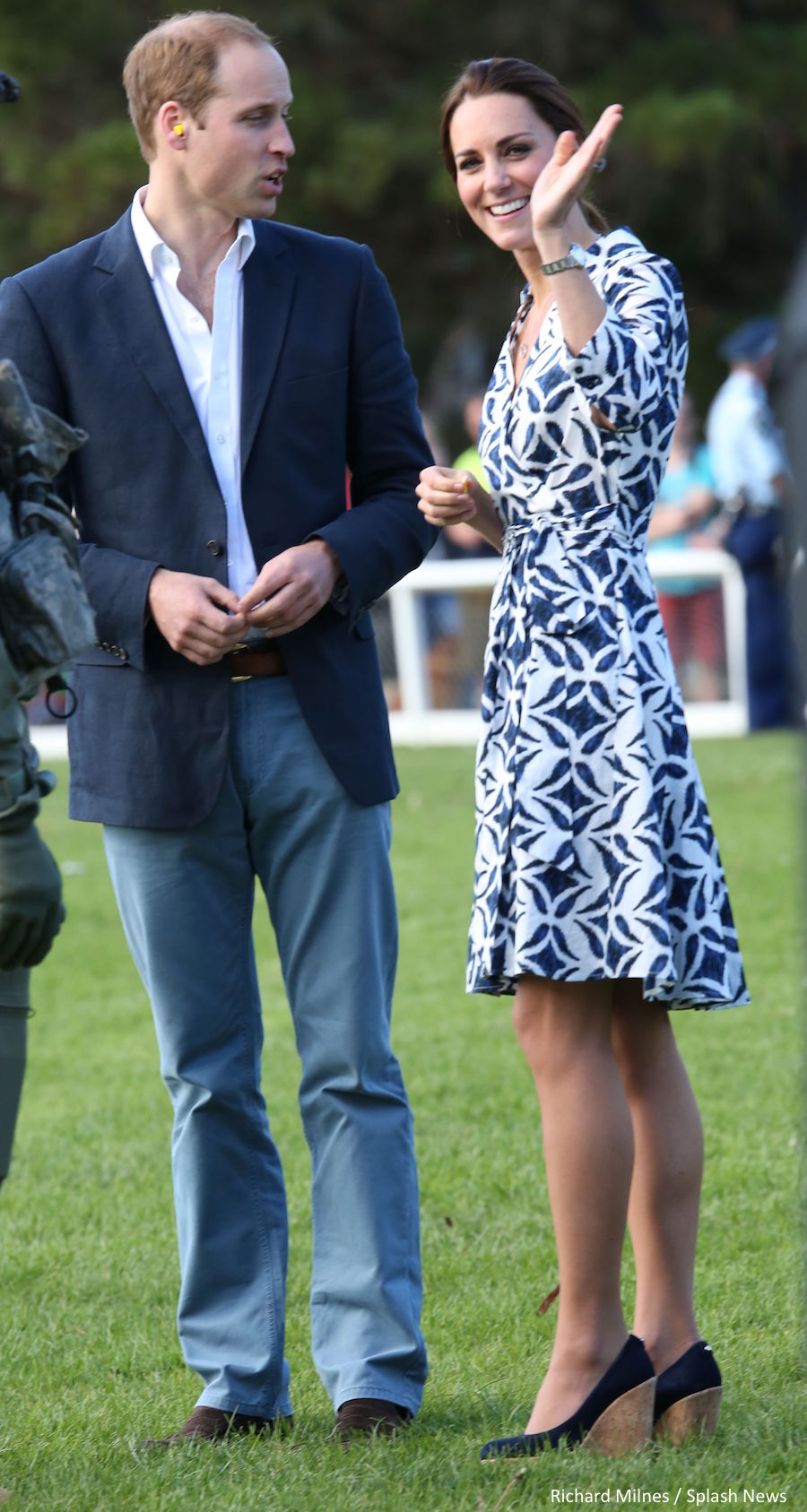 Kate Middleton wearing the Corkswoon wedges in Australia