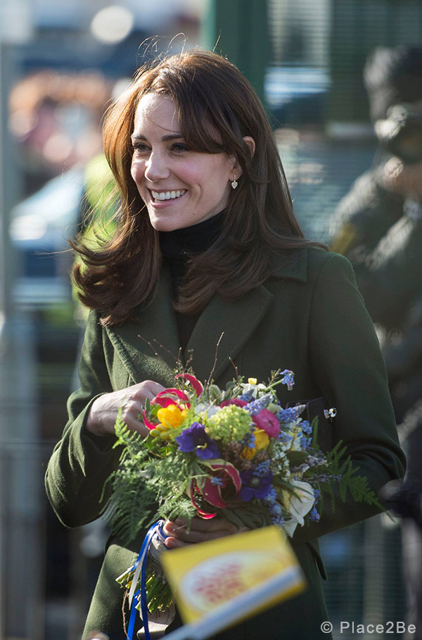 Kate Middleton wearing the green Sportmax coat in Edinburgh