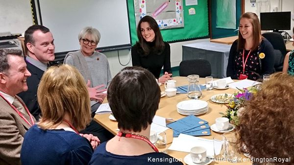 Duchess speaks with headteachers at Place2Be school
