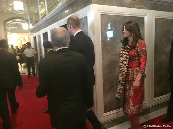 Kate wears floral garlands at the Taj Palace