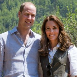 Kate opts for Jaeger shirt & Penelope Chilvers boots on three hour hike!