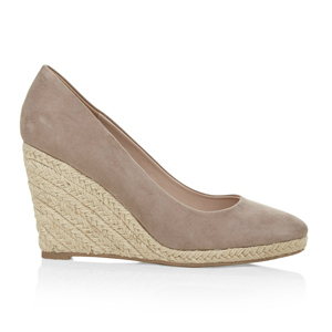 Kate Middleton wears the Monsoon Fleur wedge in taupe suede