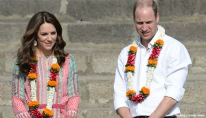 Kate wears local designer for visit to the Oval Maidan recreational ground & Banganga Water Tank