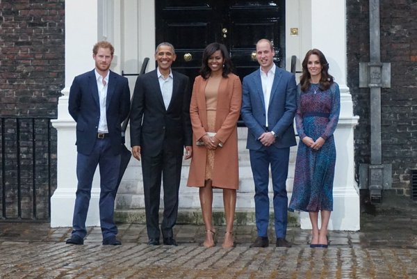 Kate Middleton wears a purple L.K. Bennett dress to meet the Obamas