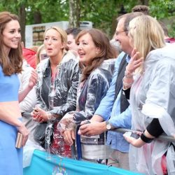 Kate wears Roksanda colour block dress to The Patron's Lunch