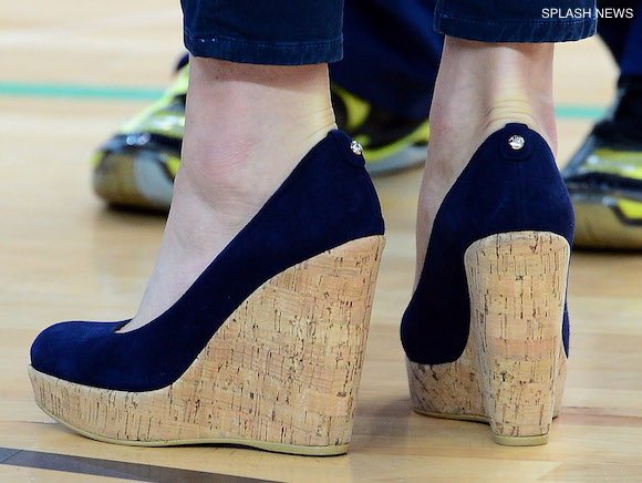 Kate Middleton wearing the her blue Stuart Weitzman Corkswoon wedges