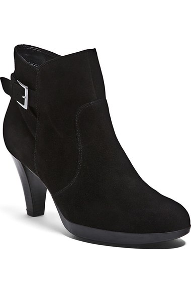 Blondo Isla ankle boots