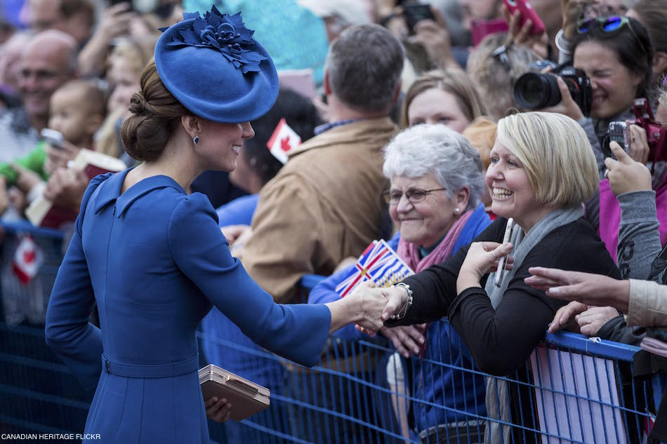 The collar on Kate's blue dress in Canada