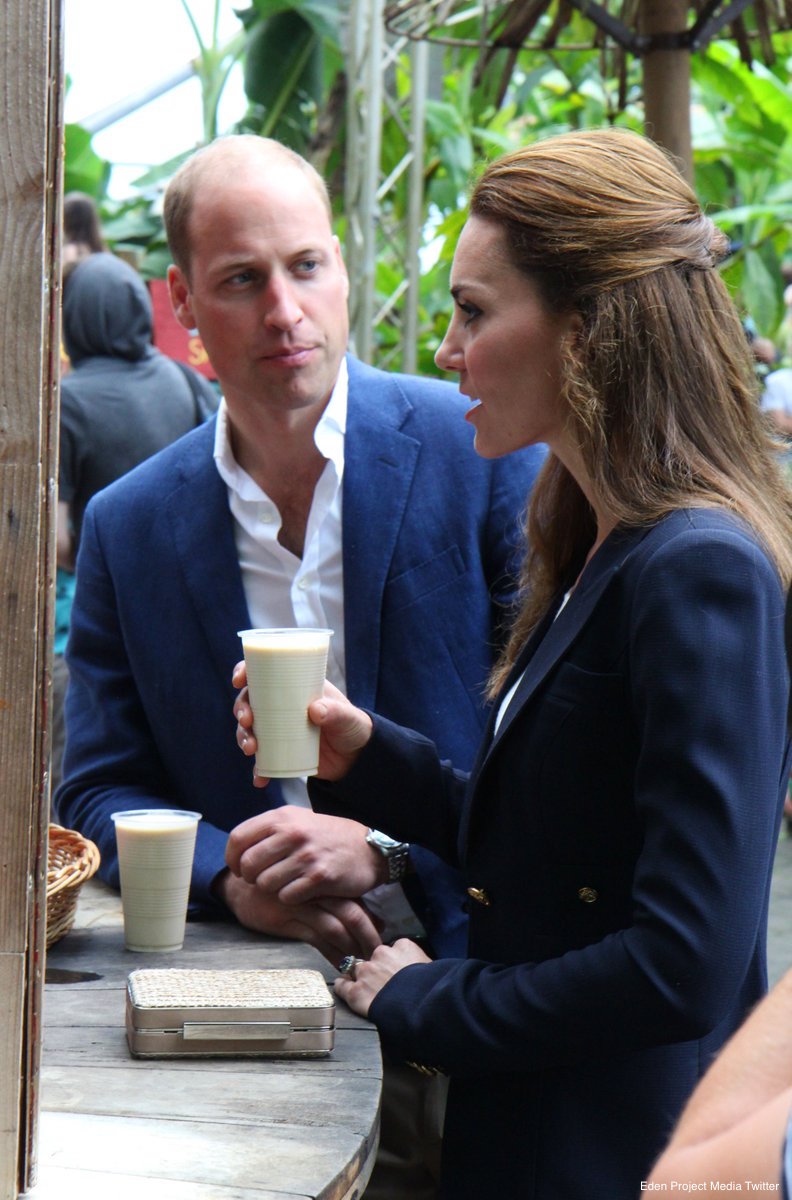 William and Kate sample a smoothie at the Eden Project
