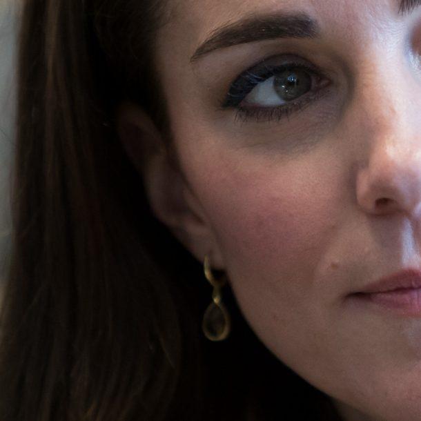 Kate wearing her citrine drop earrings